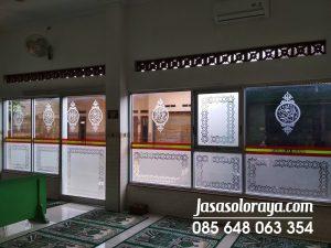 stiker masjid, sticker sandblast solo,stiker kaca sandblast solo,stiker kaca di solo,stiker kaca film solo, klaten sragen, sukoharjo, karanganyar, jasa pasang sandblast buram.jpg